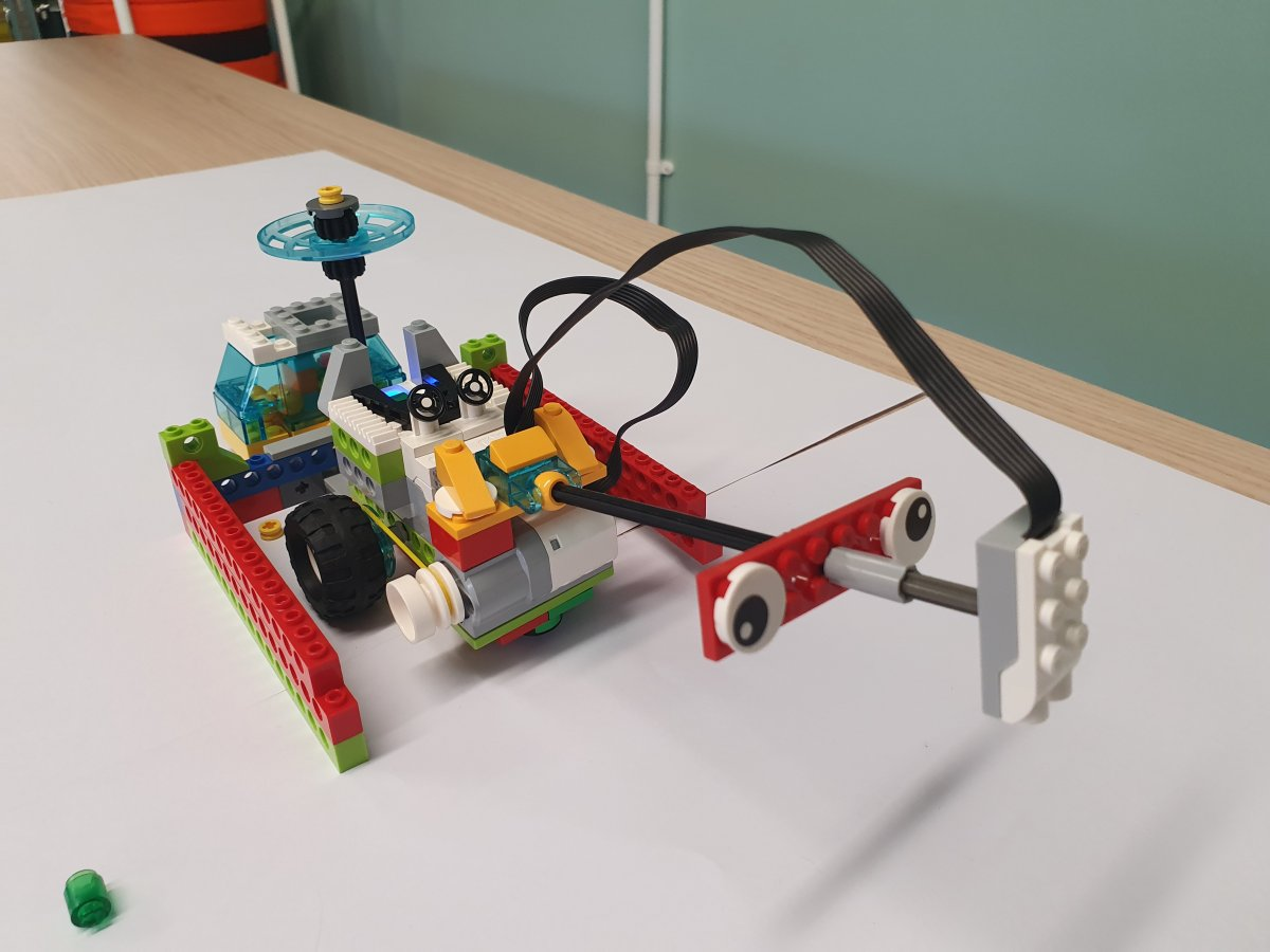 Helping the environment in 4th class: WeDo Lego 2.0