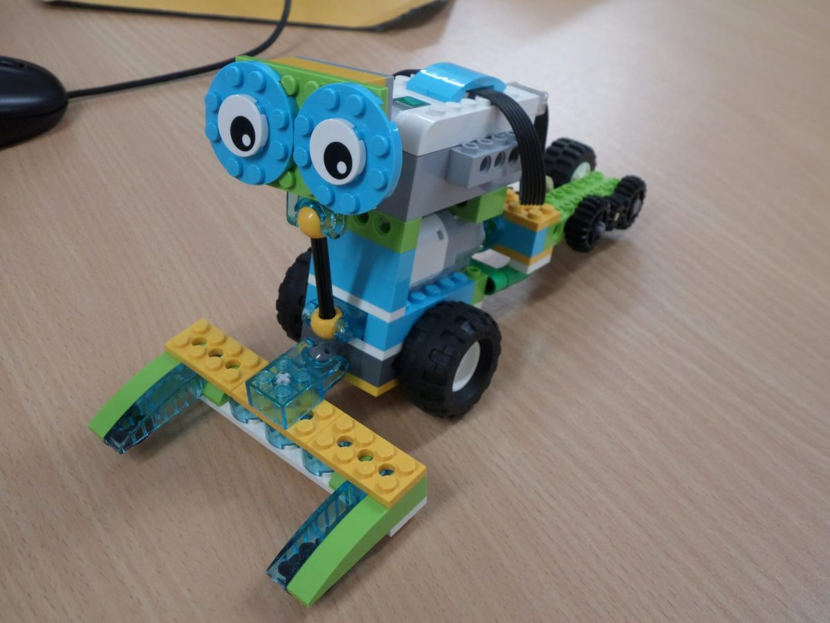 WeDo 2.0 Projects: 4th class Mr. O'Donghue